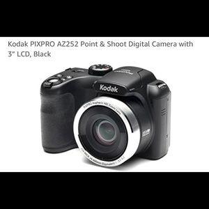Kodak PIXPRO AZ252 Point & Shoot Digital Camera